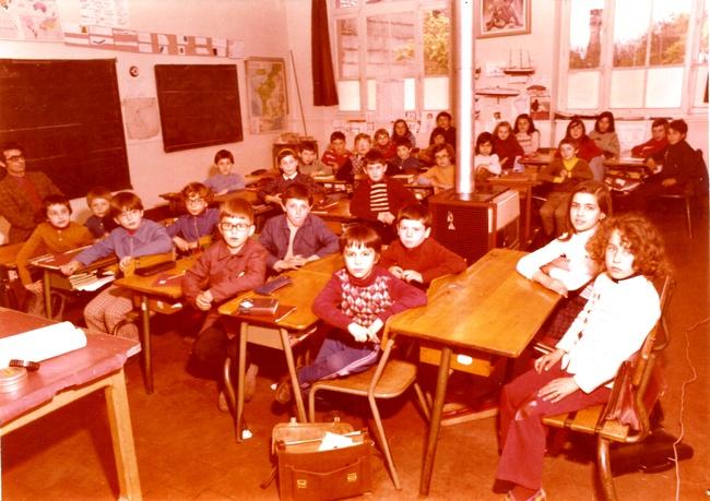 http://www.dieupentale.com/forum/uploads/2063_la_classe_1974.jpg