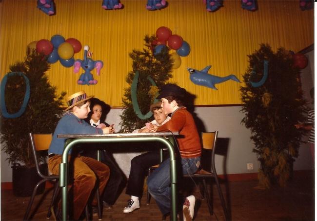 http://www.dieupentale.com/forum/uploads/2063_le_theatre_1982-2.jpg