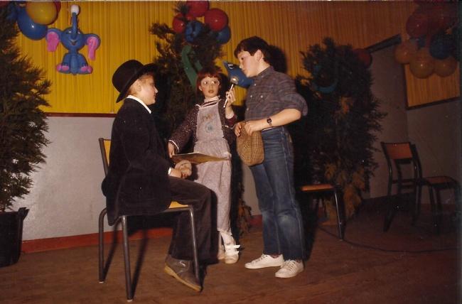 http://www.dieupentale.com/forum/uploads/2063_le_theatre_1982.jpg