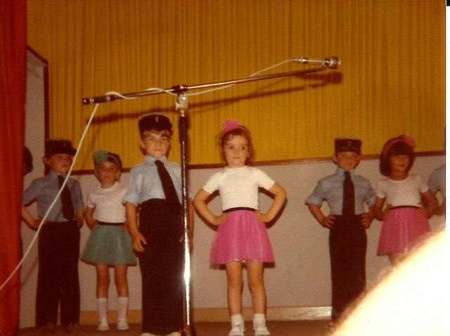 http://www.dieupentale.com/forum/uploads/2063_maternelle_1979-2.jpg