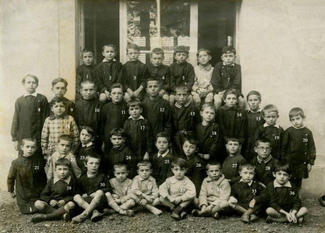 http://www.dieupentale.com/forum/uploads/6_1932_classe_garcons.jpg