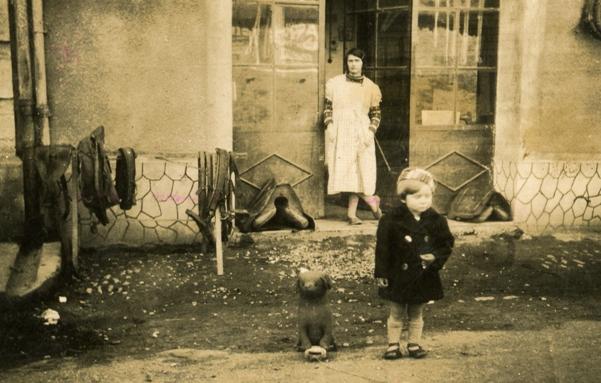 http://www.dieupentale.com/forum/uploads/6_1940_atelier_du_bourrelier.jpg