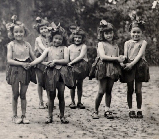 http://www.dieupentale.com/forum/uploads/6_1950_theatre_des_ecoles_les_coquelicots.jpg